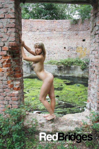 Blonde, Girls Solo, Outdoor and Teen 2257 Adult Photo Set SPN P021